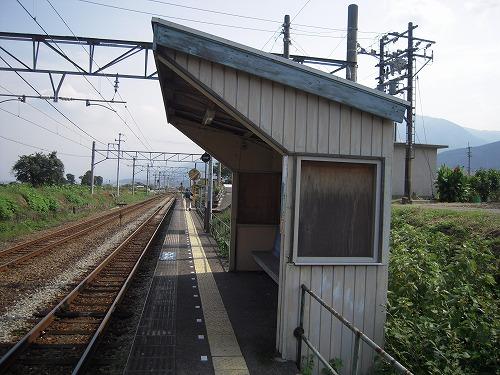 s-関川駅のプラットホーム.jpg